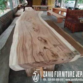 Meja Kayu Munggur Solid Untuk Ruang Makan